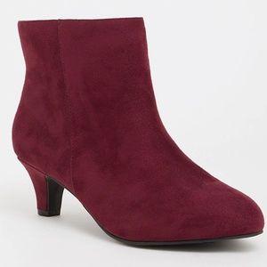 Torrid 13 W Boots Wine Kitten Heel Bootie Ankle